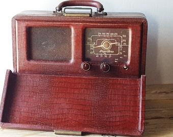 "Vintage french portable Tube Radio Pizon Bros Model ""TRAV-LER 50""  Beautiful Decoration object"