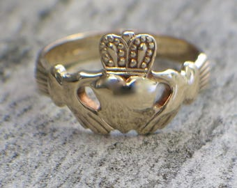 RESERVED**DOWN PAYMENT 9K Vintage Gold Irish Claddagh Ring