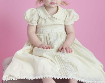 Vintage Inspired Yellow collared lace dress Age 3/4