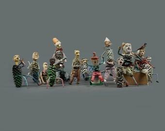 Vintage 15-Piece Pine Cone Orchestra Outsider Art Primitive Art