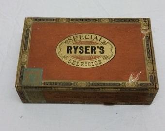 Vintage cigar box/wooden