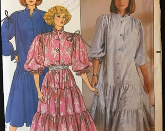 Butterick 3111 - 1980s Loose Fitted Dress with Dropped Waist and Tiered Skirt - Size P S M