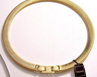 Monet Omega Choker Necklace Gold Tone Vintage Lined Twisted Rib Accent Flexible Wide Band Horshoe Foldover Clasp Closure