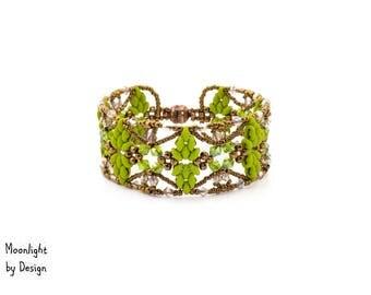 Wings of an Angel Bracelet - Apple Green & Champagne