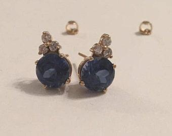 Vintage 14K Yellow Gold Blue Round Sapphire & Diamond Post Stud Pierced Earrings