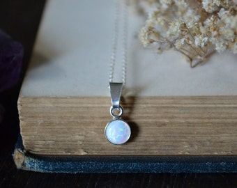 White Opal Necklace 925 - Everyday Pendant - Sterling Silver - Inspiration & Creativity - Multicolour Fire Opal