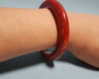 Bakelite Red Bangle Bracelet, Mottled Red Color