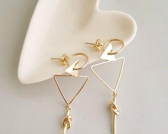 Triangle Geo Dangle Earrings, Triangle Dangle Earrings, Gold Triangle Earrings, Triangle Geo Earring, Gold Geo Earrings, Geo Dangle Earrings