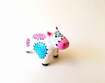 Cow figurine - Cow decor - Animal totem - Polymer clay animal - Terrarium animal - Terrarium figurine - Polymer clay cow - Miniature cow