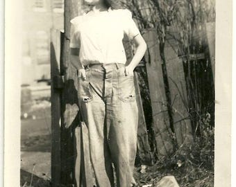 Super cute vintage photo girl in pants jeans work wear curls liberated fashion teen