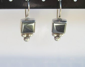 Vintage Janice Girardi Sterling Silver and Hematite Dangle Earrings      1189A