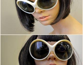 1960s Renauld Cream Oversize Round Sunglasses