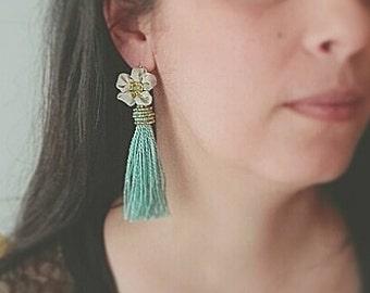 tassel earrings, long earrings, boho earrings, flower earrings, modern bohemian, casual, drop earrings, trend, fashion, summer, festival,
