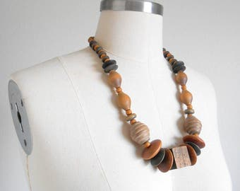 80s vintage necklace - wood bead necklace - 80s Block and Disc necklace