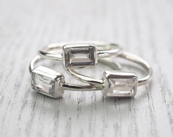 Minimalist ring Modern ring White Topaz ring Topaz ring Minimalist jewelry Edgy jewelry Modern jewelry Simple jewelry Clear stone ring Topaz