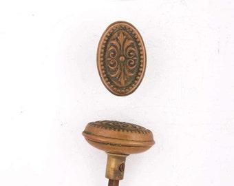 Oval Acanthus Beaded Vintage Doorknob Set 531233