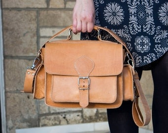 Leather Camera Bag, Dslr Leather shoulder bag, Natural color, Leather Camera Bag, plus light brown protective insert