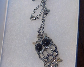 Retro Articulated 70s Owl Necklace with Black Eyes Owl Jewelry Trendy Necklace