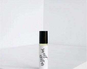 Sweet Nectar - Natural Perfume Oil- Vegan Perfume- Fragrance - Scent - Jojoba oil - Roll on Perfume - Roller Ball Perfume