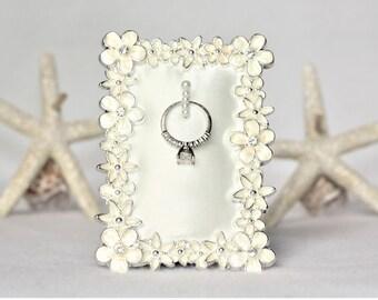 Ring Holder, Frame Ring Holder, Wedding Ring Holder, Flower Ring Holder, Engagement Gift, Wedding Gift, Engagement Ring Holder Frame
