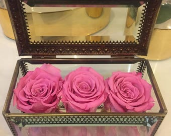 3 Eternity Roses in a bejeweled vintage box - Limited Edition