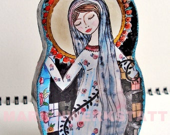 Holy Mother Mary in a dress with roses - Small figure for placing, collecting and giving away