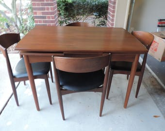 JDYSK MidCentury Modern Dining Table and Chairs