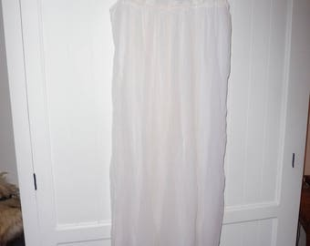 Nightgown size 85B - 1960s