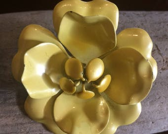 Vintage Soft Yellow Metal Flower Brooch/Pin/Gift Topper