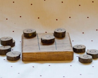 Rustic noughts and crosses game