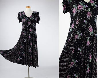 90s Vintage Nostalgia Black Wisteria-Rose Bud Floral Print Crinkle Texture Indie Maxi Dress w/ Matching Alligator clip / Small S