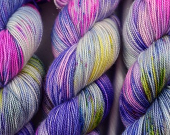 Indie Dyed Yarn, Hand Dyed Yarn, Speckled Sock Yarn, Sock Yarn, Indie Sock Yarn, Indie Sparkle Yarn, Indie Speckled Yarn, Felicity