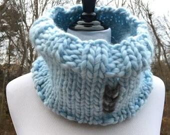 Koselig Cowl - Frosty Blue