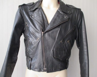 Chiodo pelle nera anni 80.Argentina.Tg S/80s black studded leather jacket/Red lining/Made in Argentina/Bikers' jacket/The wild one/ Size S/