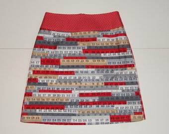 Centimeters, numbers, A-line skirt, red brown grey white, colorful, print, checkered, dots, size EU 38/40 (USA 8/10 - UK 10/12), cotton