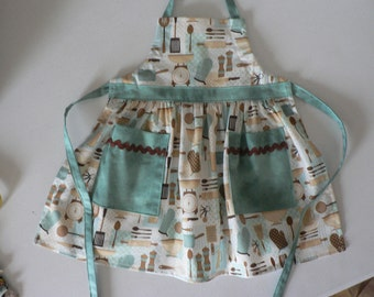 Girls Apron, Girls Kitchen Tools Apron, Girls Apron Toddler Apron