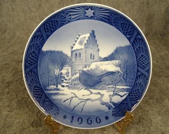 Royal Copenhagen Porcelain 1966 Blackbird Plate