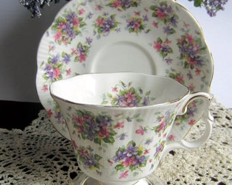 Royal Albert RICHMOND from the Nell Gwynne Series Bone China Tea Cup and Saucer - Made in England