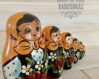 Vintage Nesting Dolls from Brest, Belarus. Matryoshka Dolls, Christmas Nesting Doll Gift, Stacking Dolls. Mustard Yellow Babushka.
