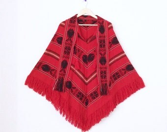 Vintage poncho. Red oversized printed poncho with fringe