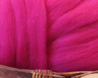 Dyed Corriedale Natural Spinning Fiber Wool Top Roving / 1oz - Raspberry