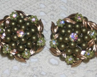 Stunning Large Vintage Green Beaded Celluloid Leafy Swoops and Flowers Rhinestone Clusters Goldtone CLIP ON Earrings