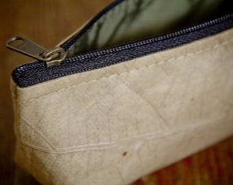 Molt laminated pouch from recycled sheets,