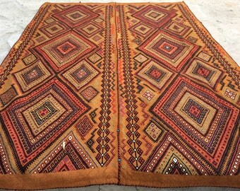 Old Ethnic Embroidery Kilim Rug From Anatolia / 5'6'' x 7'6'' ft /  2.27 x 1.66 mt