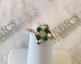 Vintage 14k yellow gold 4 Round Emerald & 5 Round Diamond Cluster Bypass Ring, .45 tw, J-I1, size 6.5