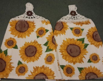 Hanging Towels with Crocheted Top- Set of 2 -Sunflowers