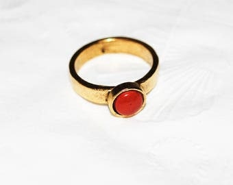Hammered ring with Red Jasper stone