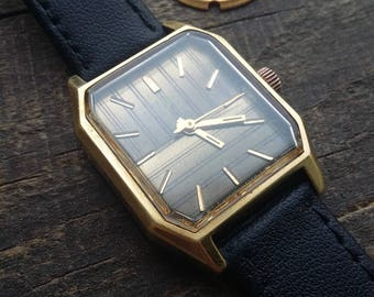 Vintage Soviet Gold Plate Watch LUCH 23 jeweles Cal.2209 Russian LUCH 2209 for men's. 23 jewels 1960s