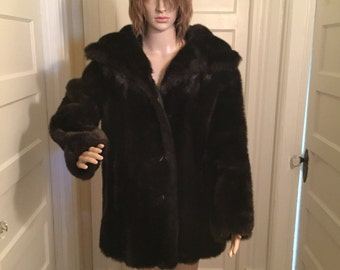 Vintage women's Dark Brown Royal Minky by Hillmoor faux fur coat with leather lapels, bust 44, shoulders 20, length 31. In great condition.