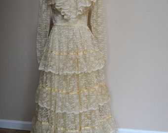 1970 Lace Wedding Dress | 70s Vintage Wedding Dress